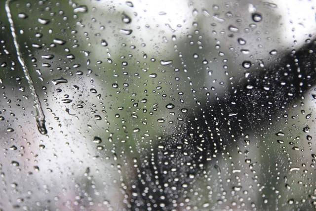 窓ガラスが曇る原因